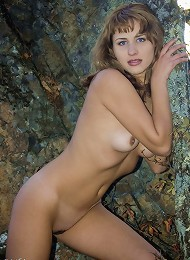 Naked Beauty Of Luscious Goddess Linsi